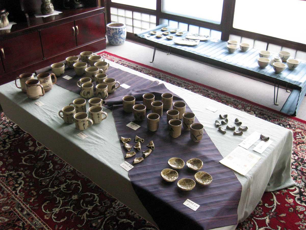 陶器市での展示中 PHOTO