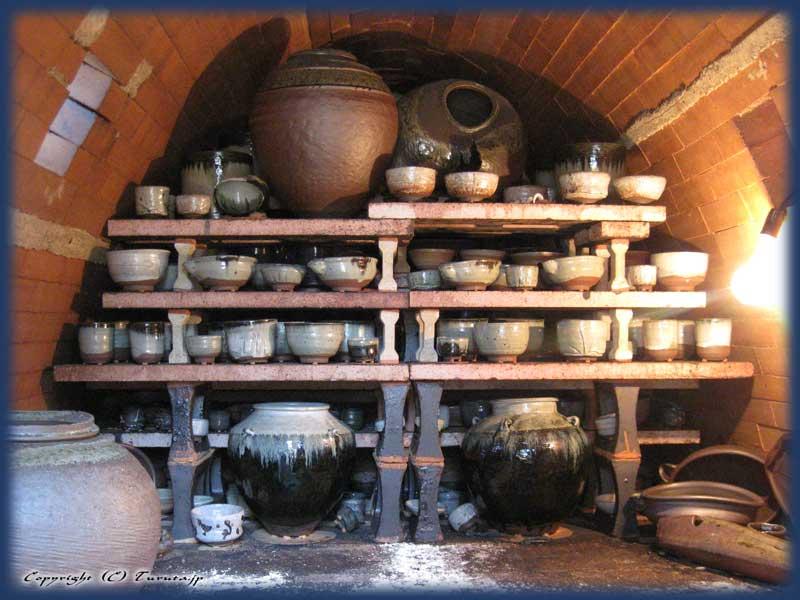 マイク・マルティーノ、穴窯の窯出し